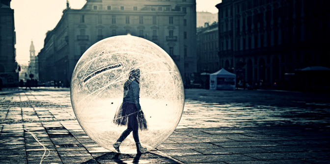 3 Ways To Tell If Someone Is Living In A Bubble